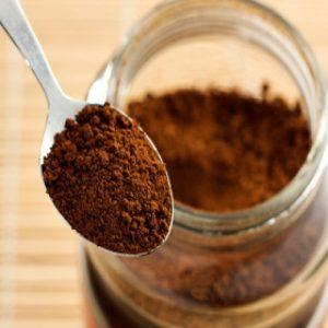 bubuk kopi 300x300 - 21 Cara Paling Jitu Membasmi Kecoa Secara Mudah di Rumah