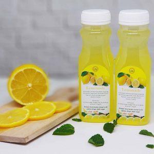 jus lemon ok 300x300 - 21 Cara Paling Jitu Membasmi Kecoa Secara Mudah di Rumah
